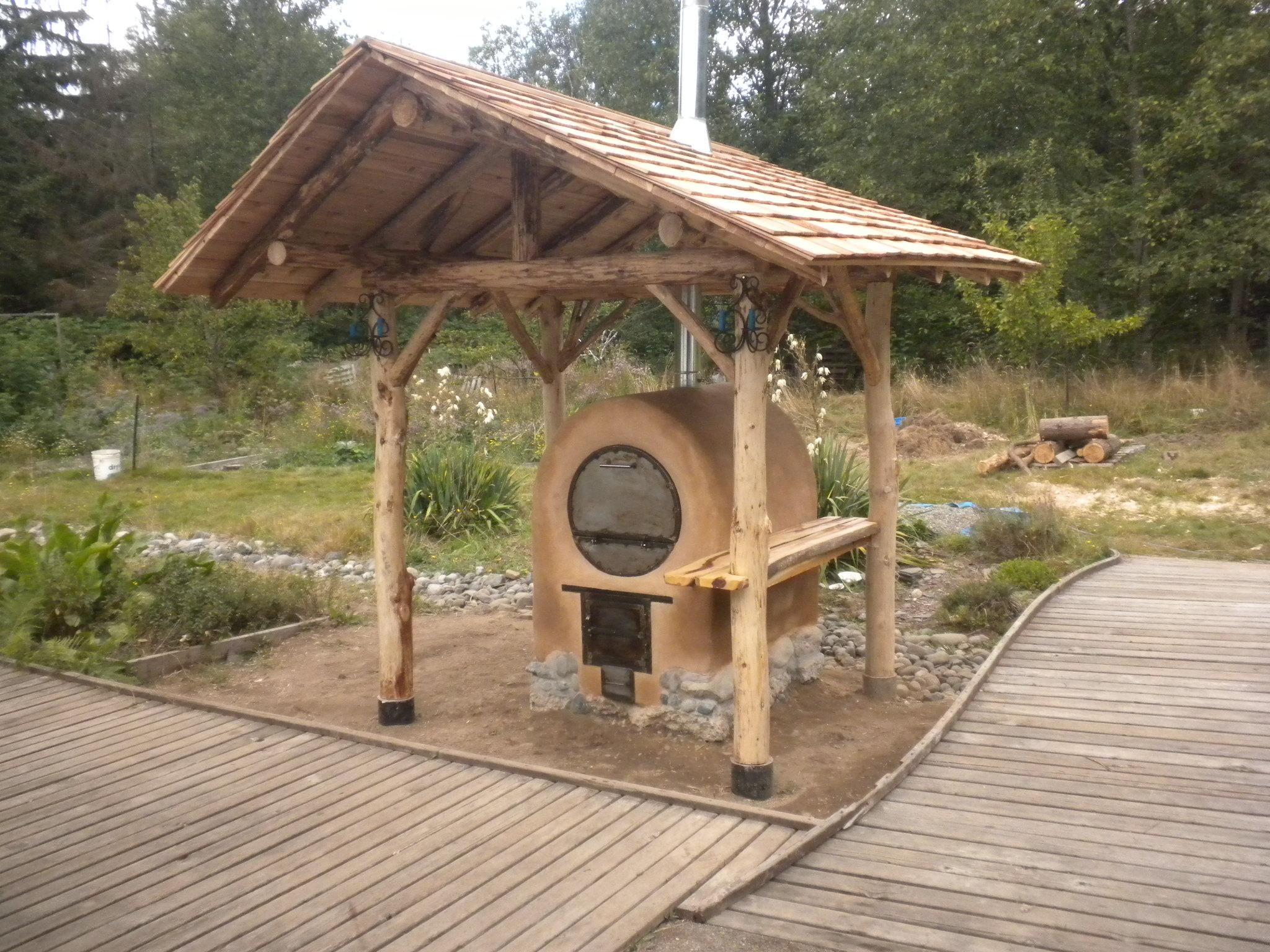 Hawthorn Farm Adobe Barrel Oven Firespeaking