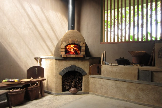 Bali Wood Fired Oven Firespeaking